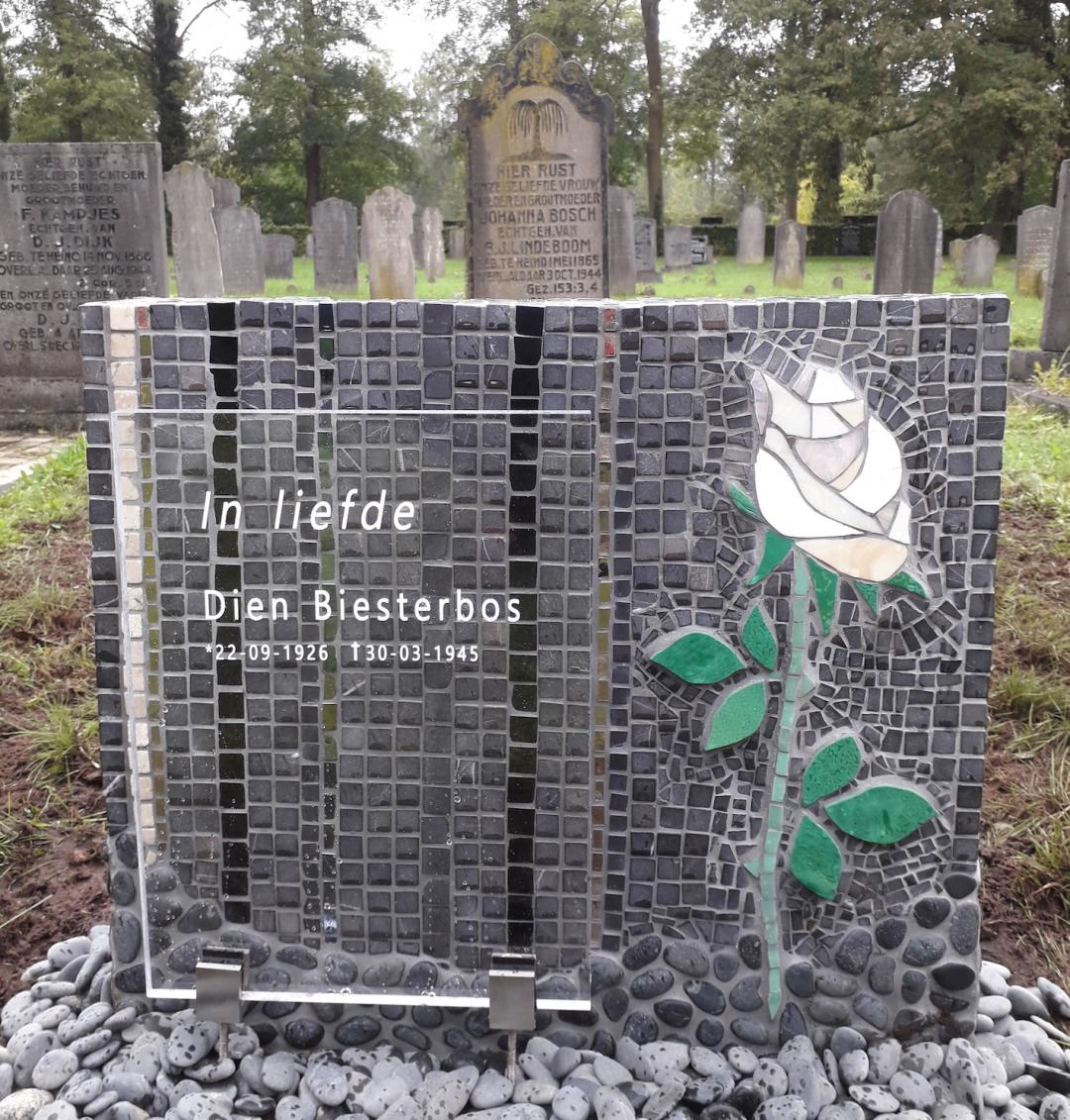 gedenkteken-witte-roos